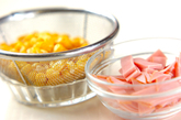 ホウレン草とコーンのサラダの下準備1