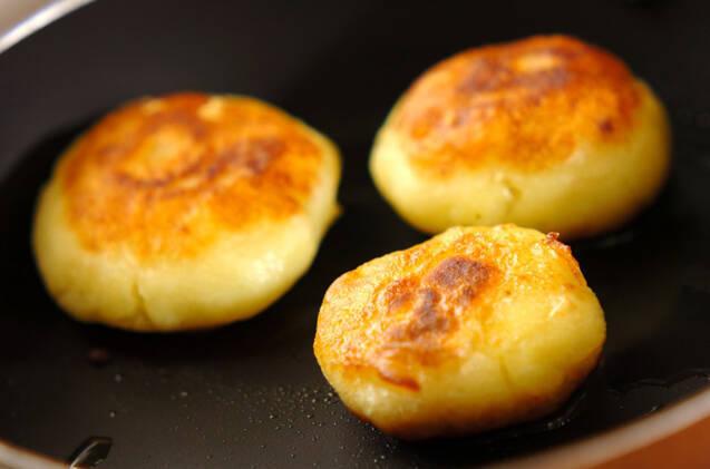 ジャガイモ餅の作り方の手順3
