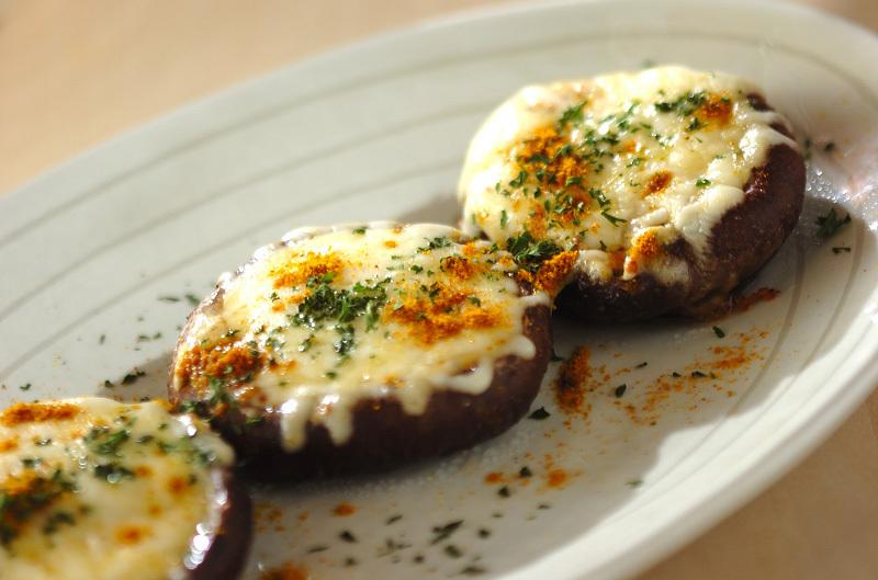 7. 椎茸のチーズ焼き