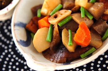 さつま揚げと根菜の煮物