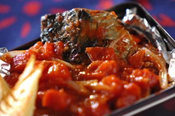 焼きサバのトマト煮込み
