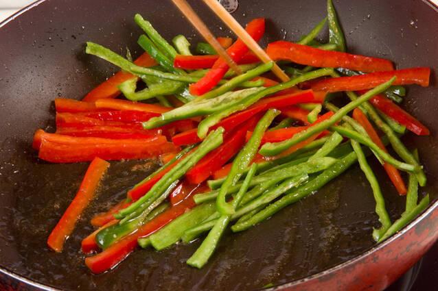 ホウレン草のアンチョビ炒めの作り方の手順3