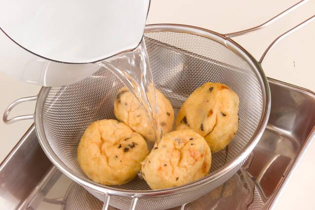 ゼンマイとがんもの煮物の作り方の手順1