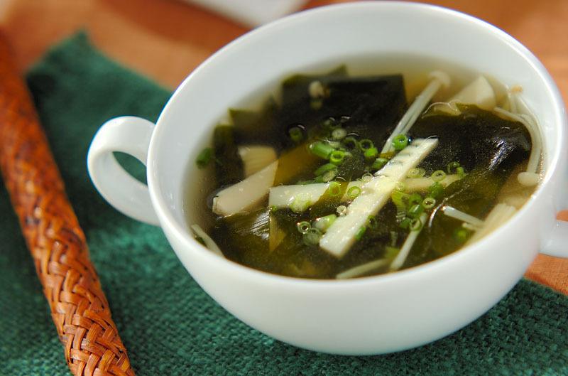 タケノコとわかめのスープ