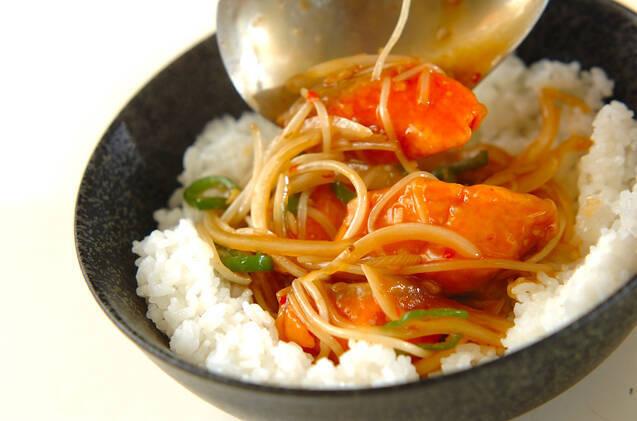 鮭のピリ辛丼の作り方の手順4