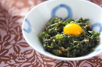 菊菜のナムル・ウズラ卵のせ