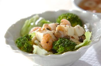 シーフードと豆腐のサラダ
