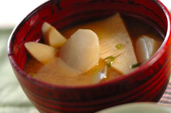 里芋とタケノコのみそ汁