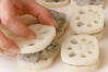 レンコンのはさみ揚げの作り方の手順4