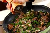 牛肉と春菊の炒め物の作り方2