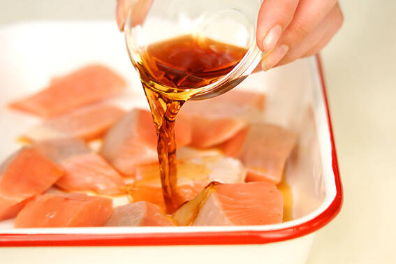 塩鮭のマリネの作り方の手順1