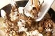 牛肉とキノコの炒め物の作り方2