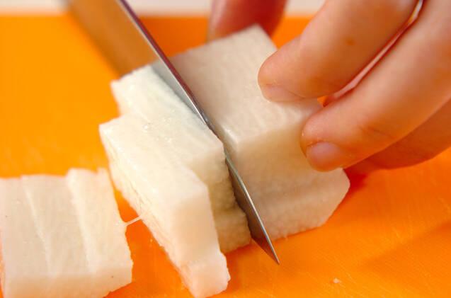 長芋のゴマ酢和えの作り方の手順1
