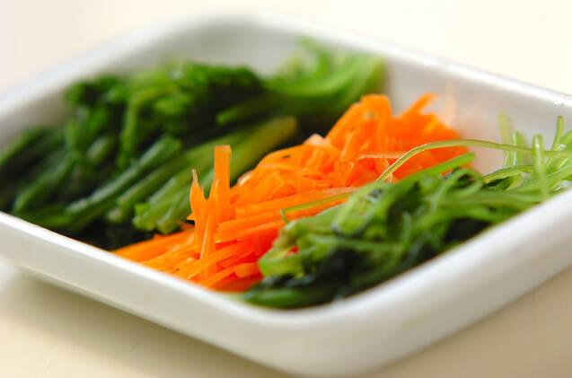 青菜のゴマ和えの作り方の手順1