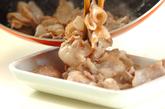 豚肉の焼きそばキムチのっけの作り方1