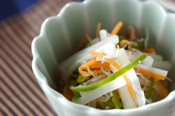 細切り野菜の酢の物