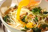 モヤシのピリ辛卵炒めの作り方2