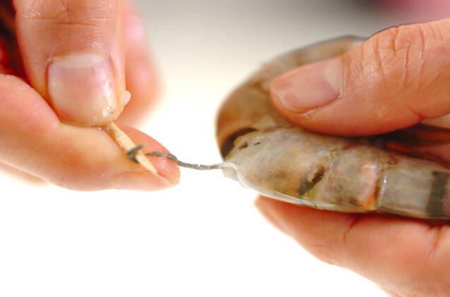 エビとワカメのカラシ酢みその作り方の手順1