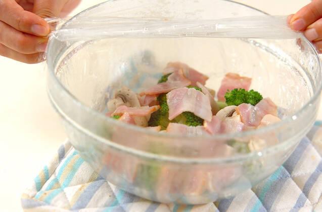 マッシュルームとブロッコリーのチーズ和えの作り方の手順4