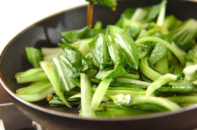 チンゲンサイのツナ炒めの作り方の手順3