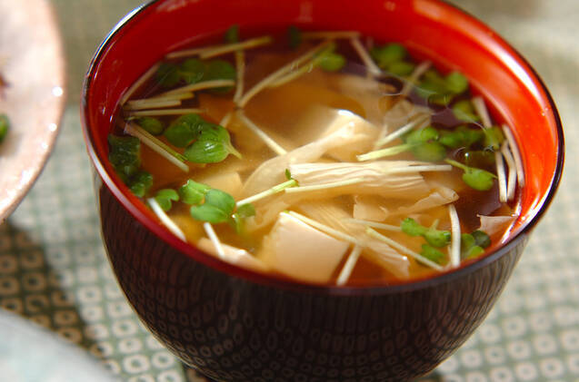 豆腐と湯葉のお吸い物