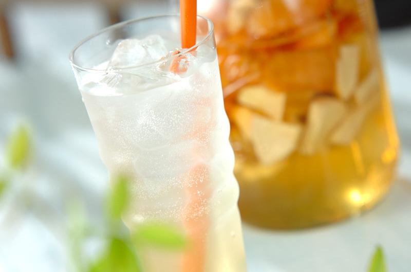 グラスの中のアップル&グレープフルーツビネガー