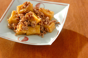 揚げ高野豆腐のそぼろ煮