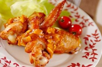 鶏手羽肉のピリ辛ナッツソース
