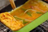 カニ風味カマボコの卵焼きの作り方3