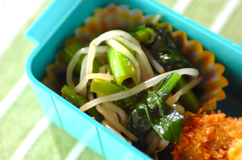 小松菜とモヤシの和え物