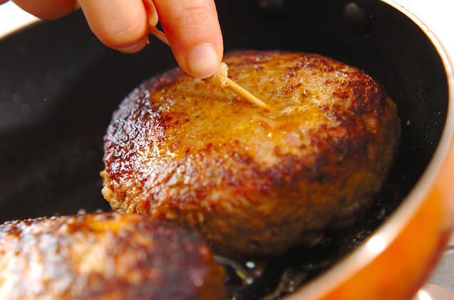 ナッツが入ったハンバーグの作り方の手順6