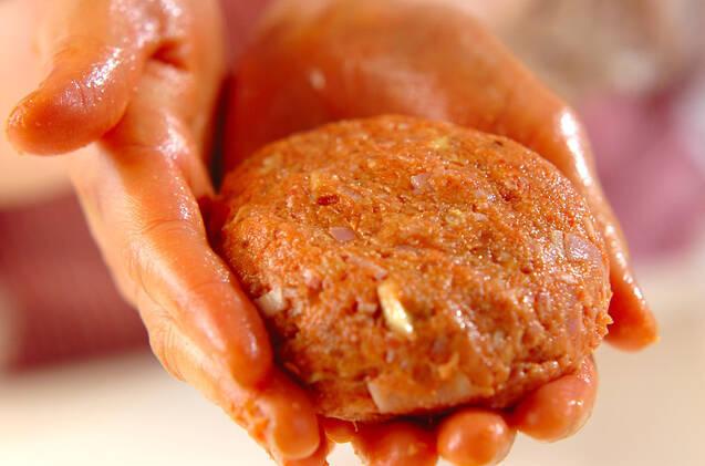 ナッツが入ったハンバーグの作り方の手順4