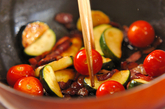 ズッキーニとベーコンの炒め物の作り方2