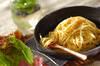 黒コショウとバターのシンプルなワンポットパスタ