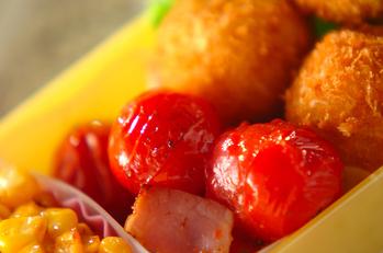 プチトマトとベーコンの炒め物