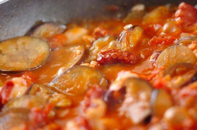 簡単洋風おかず!タコとナスのトマト煮の作り方の手順5