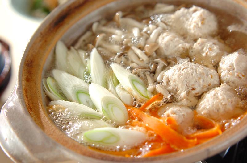 4.ユズこしょう風味の鶏つくね鍋