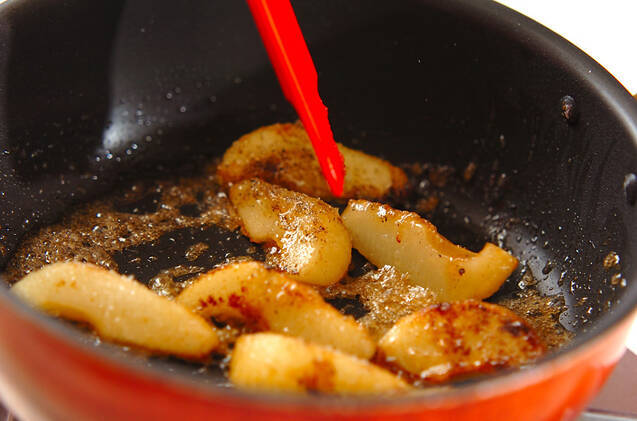 洋梨のソテーの作り方の手順2