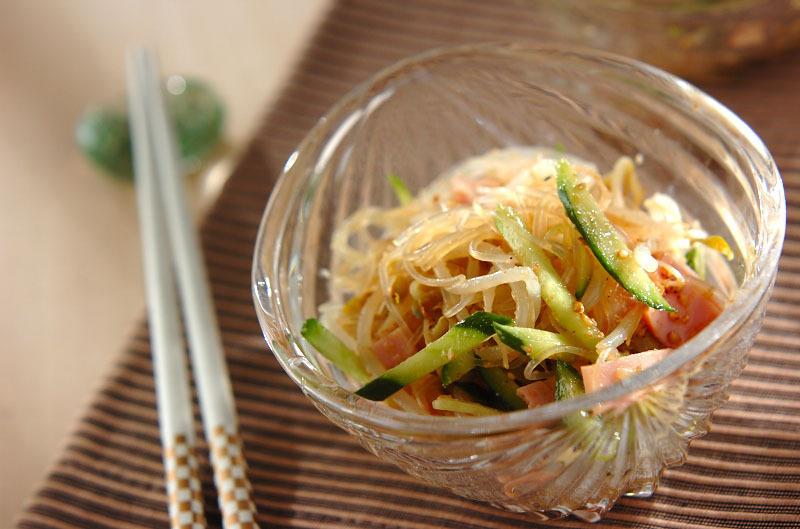 1. 緑豆モヤシと春雨の中華風サラダ
