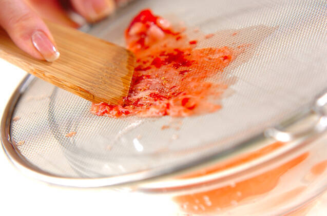 イチゴのサラダの作り方の手順2