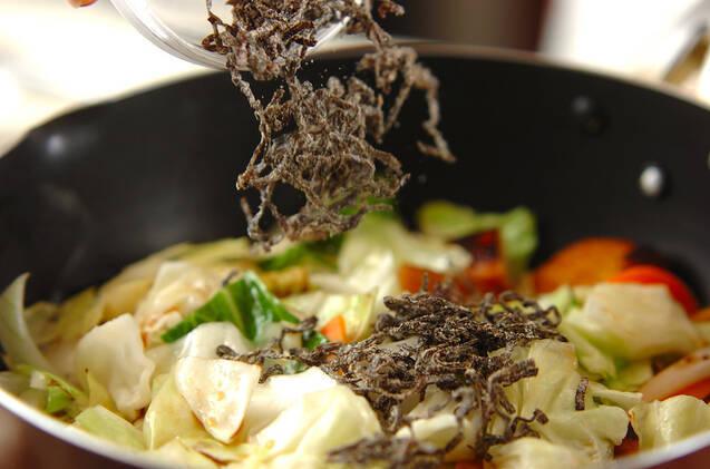 さつま揚げとキャベツの塩昆布炒めの作り方の手順6