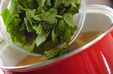 ジャガイモとホウレン草のみそ汁の作り方2
