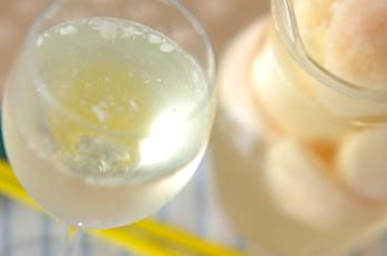 ピーチ入りワイン