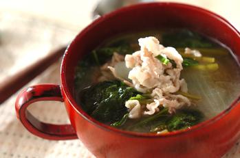豚とホウレン草の白みそスープ