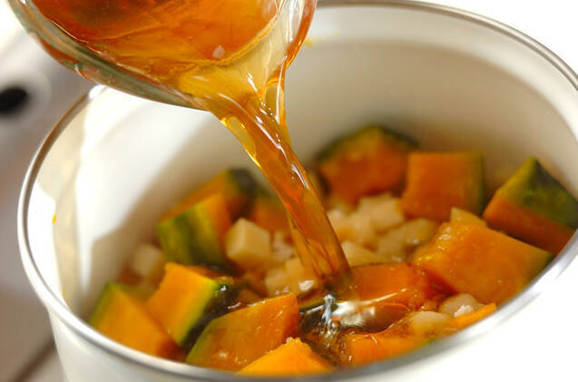 大豆とカボチャの煮物の作り方の手順2
