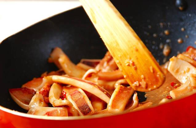 イカのワタ炒めの作り方の手順4