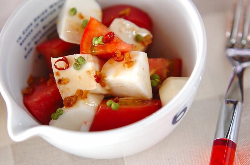 トマトと豆腐の山芋サラダ