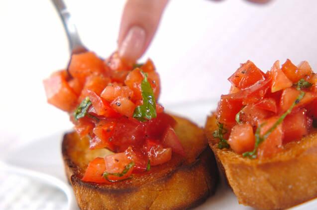 ワインのお供に トマトとバジルのブルスケッタの作り方の手順6