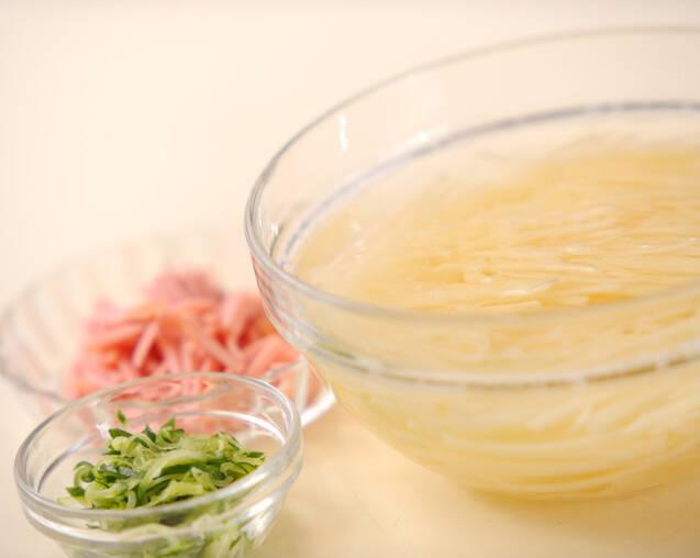 ジャガイモの中華サラダの作り方の手順1