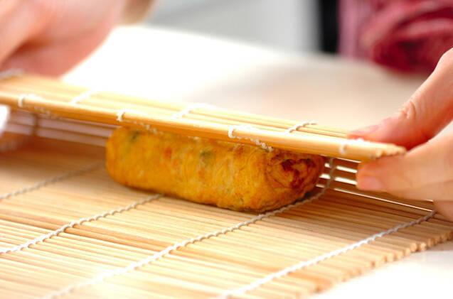 グリンピースと鮭のだし巻き卵の作り方の手順4